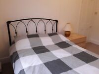Spare double bedroom in Postgraduate student house in St Thomas, Swansea