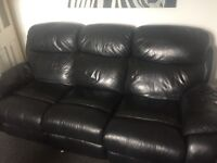 3 seat recliner with a single recliner