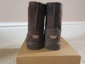 UGG Boot Classic Chocolate Brown Toddler Size 8