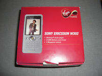 SONY ERICSSON W302 (WALKMAN MUSIC PLAYER) MOBILE PHONE 2.0MP CAMERA BOXED COMPLETE - BARGAIN £30.00