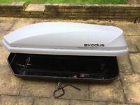 Exodus Roof Box and Thule Roof Bar/Thule Footpack