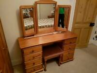Solid wood pine dressing table with mirrors and stool in excellent condition - can de