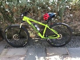 WHYTE 529 ** 2017 ** 21inch ** MINT!!