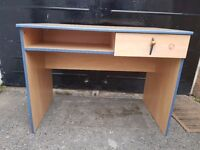 Large desk with a drawer to give away