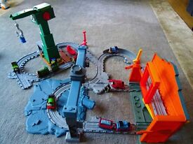 Fisher-Price Thomas & Friends Take-n-Play Cranky, Slate Loading Station & 7 trains - £25
