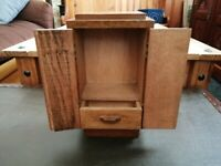 BEAUTIFUL VINTAGE SOLID OAK MINIATURE WARDROBE BY PETER CRITINELL (OPEN TO OFFERS)