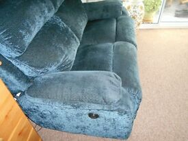 TWO SEATER POWER RECLINER DFS IN VERY GOOD CONDITION