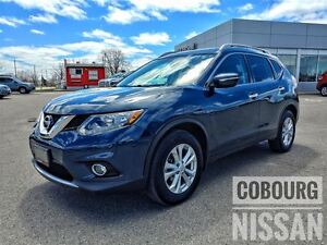 2015 Nissan Rogue SV Panoramic Sunroof  FREE Delivery