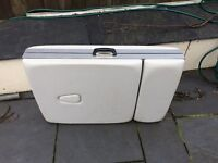 Portable beauty couch