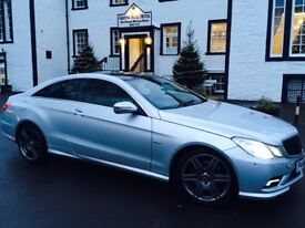 Stunning EClass Benz, FSH, new tyres and brakes, 18 inchAMG alloys, gloss roof plus lots of extras.