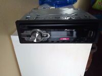 Pioneer CD player for sale with USB slot Very good condition.