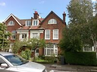 CHARMING 2 Bed Flat in Golders Green