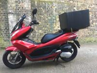 2012 Honda PCX 125cc scooter moped 125 cc learner legal. Perfect delivery bike.