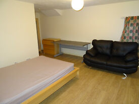 3 bed fully furnished flat in Victoria Park , Rusholme rent at £695 monthly
