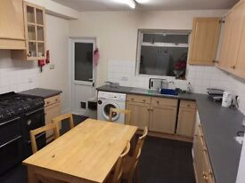 Single Room to rent in Hendon Central