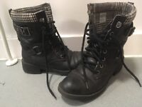 Ladies Size 5 Rocket Dog Boots