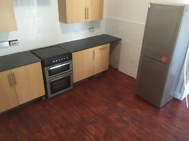 Large Rooms to Rent in Fully Furnished HMO - All Bills included