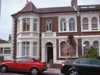 AN ATTRACTIVE ONE BEDROOM FIRST FLOOR FLAT TO LET BY PRIVATE LANDLORD. NO AGENCY FEES.