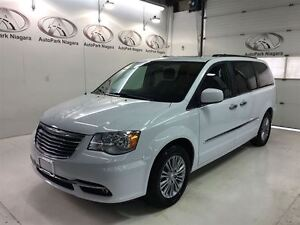 2016 Chrysler Town & Country Touring /LEATHER / SUNROOF / NAVI /