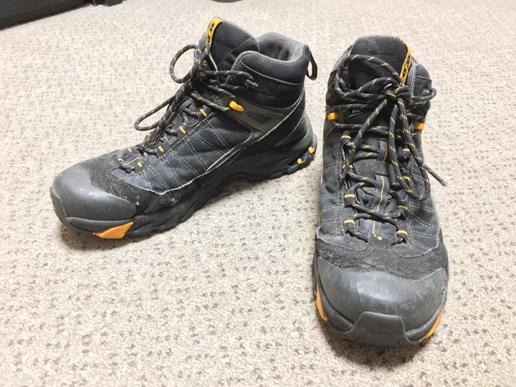 69db754542 Salomon hiking boots size 9   in Cambridge, Cambridgeshire   Gumtree