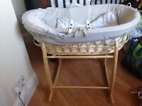 Moses basket bassinet with stand Clare de lune