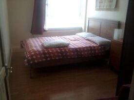 DALSTON N1 Fully furnished double room available for a clean and tidy person.