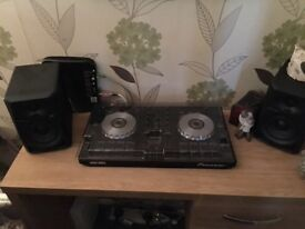 Pioneer DDJ SB and Pioneer speakers