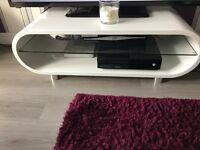 Ovid Gloss White TV Stand