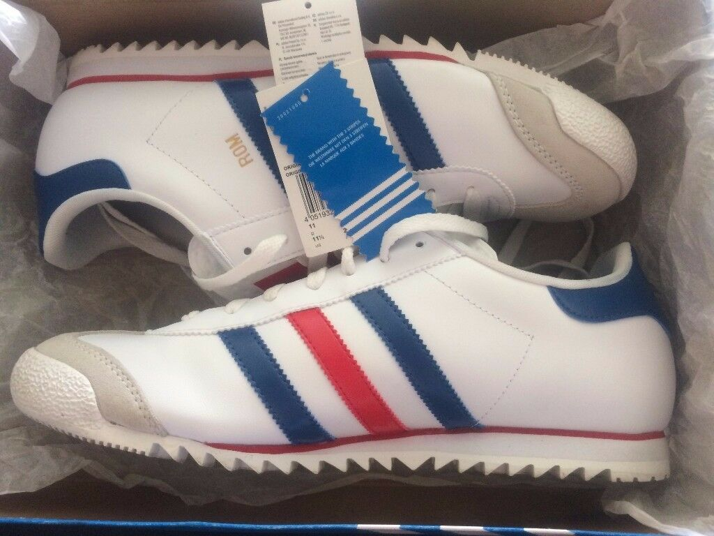 RARE MENS ADIDAS TRAINERS ROM RED WHITE & BLUE STRIP SIZE 11 USED ONLY ONCE