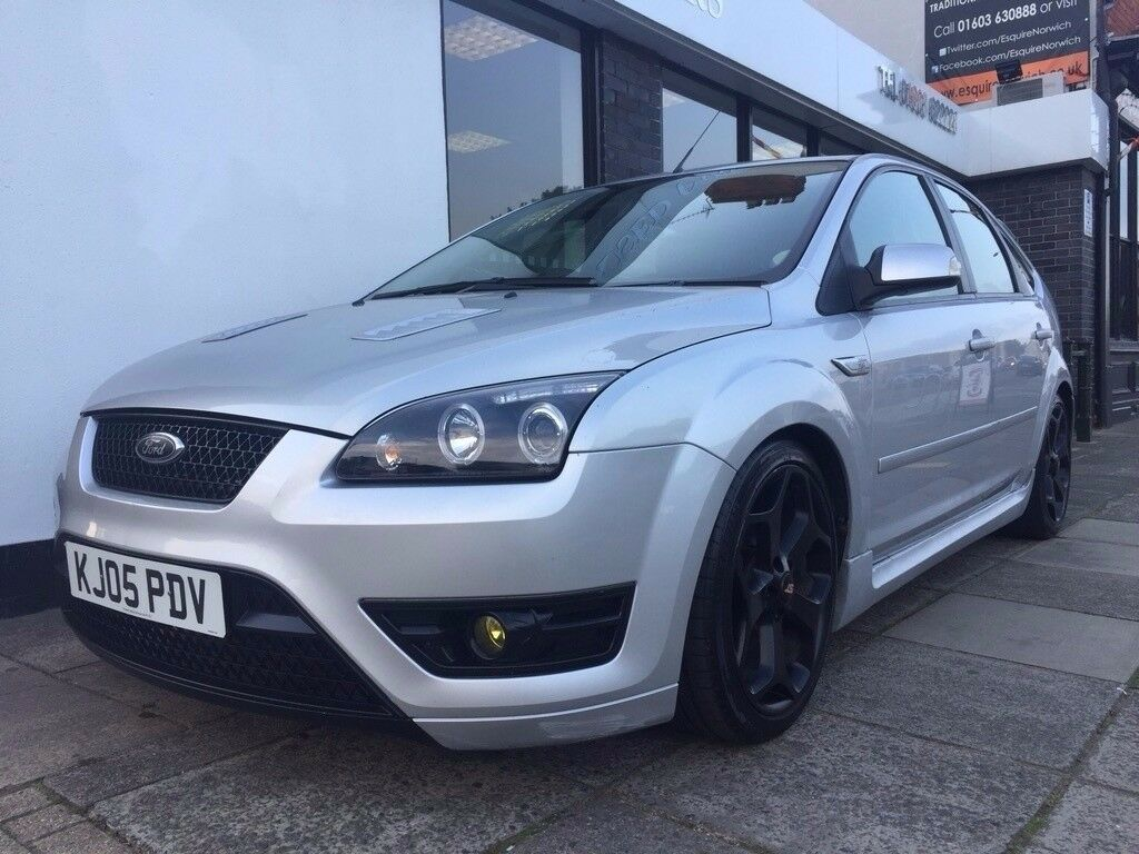 Ford Focus 1.6 LX 5dr ST BODY STYLING & INTERIOR
