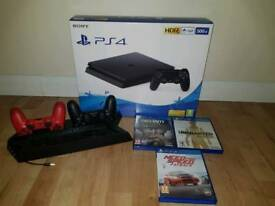 PS4 with 3 new games and 2 levers + charger for levers