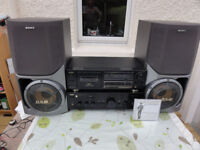 Superb Top Aiwa XA-008K Stereo Amplifier, Aiwa Tape P/R and 2 Big Sony Speakers Built-in Subwoofer