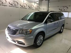 2012 Chrysler Town & Country Limited / LEATHER / SUNROOF / NAVIG