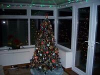 6ft CHRISTMAS TREE WITH LIGHTS AND DECORATIONS