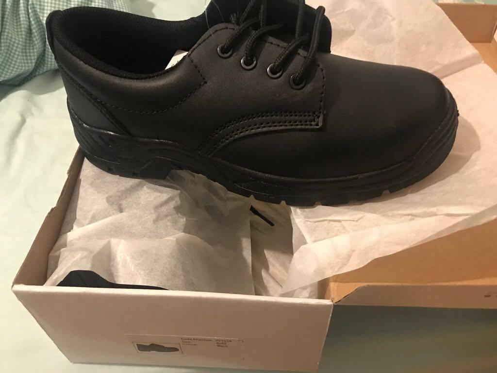 Excellent condition shoes. Black laces