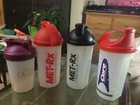 4 Shakers for free