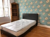 Double Room to let in a house share, all bills are included.