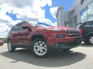 2016 Jeep Cherokee NORTH 4X4 6 CYL. 1 OWNER, HEATED SEATS