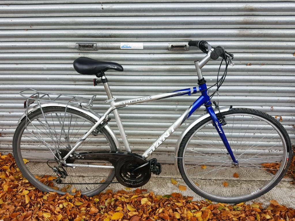 f4ee8573b95 Giant Hybrid Bicycle For Sale in Decent Riding Order | in Old Town ...