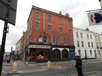 4 Double Bedroom Second Floor Flat in Central Gloucester - Fully furnished- Utility Bills included!