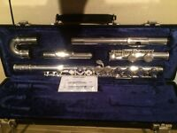 Trevor James flute with both straight and curved head joints