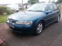 Vauxhall Vectra 1.6 i 16v Club 5dr (AirCon), Metallic Blue