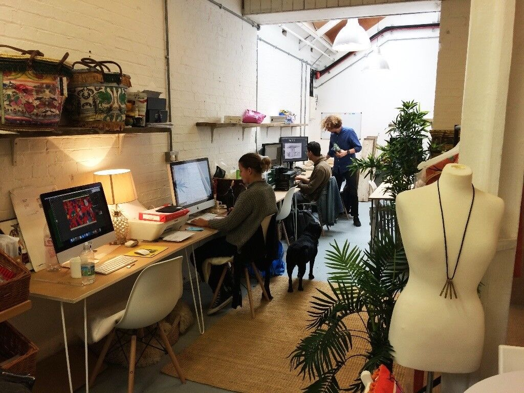 Affordable (yet clean and warm) Desk in Shared Studio Space - heart of Dalston