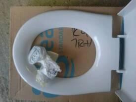 Ideal standard toilet seat E303401 brand new