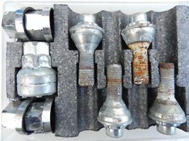 Locking wheel bolts. LB122 12 x 1.25, 25mm thread 60deg fixed.