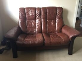 2 Seater Stressless Couch. Both seats recline independently. Brown Leather, excellent condition