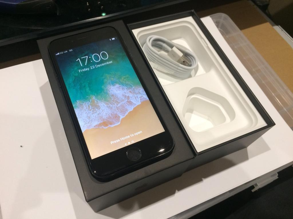 Iphone 7 128gb Jet Black O2 Tesco Giff Gaff Pristine Condition Boxed