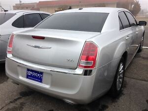 2012 Chrysler 300 Touring $76.14 A WEEK + TAX OAC - BAD CREDIT A Windsor Region Ontario image 2