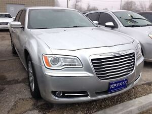 2012 Chrysler 300 Touring $76.14 A WEEK + TAX OAC - BAD CREDIT A Windsor Region Ontario image 5