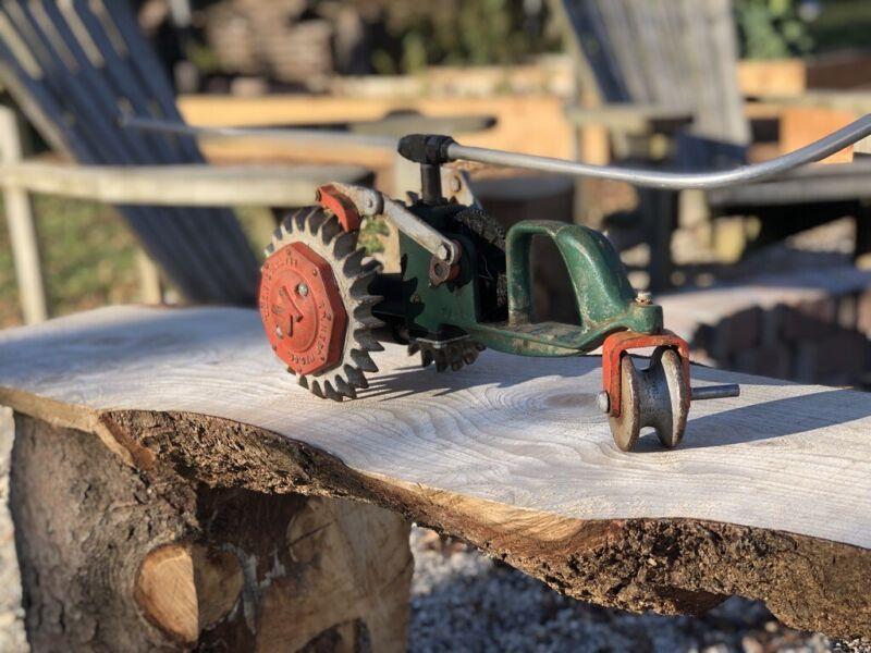 Krawler model 101 cast iron walking sprinkler vintage Co Kees Mfg F D